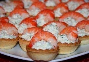 тарталетки с креветками и сыром